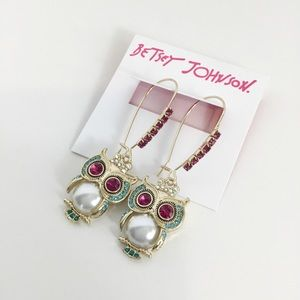 NWT Betsey Johnson Crystal Pearl Owl Earrings